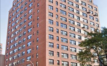 $1,700,000 – 201 East 25th Street, 18B