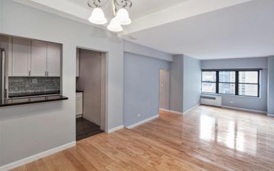 $600,000 – 301 East 48th Street #14L